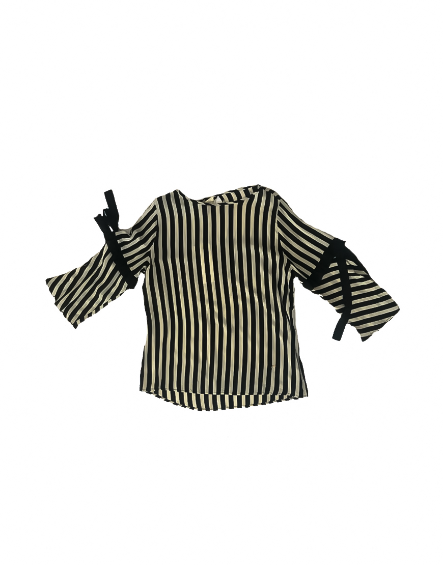 14.1.1.SC0017 Blusa blanca y negra con lazo en la manga fresca verano scusi