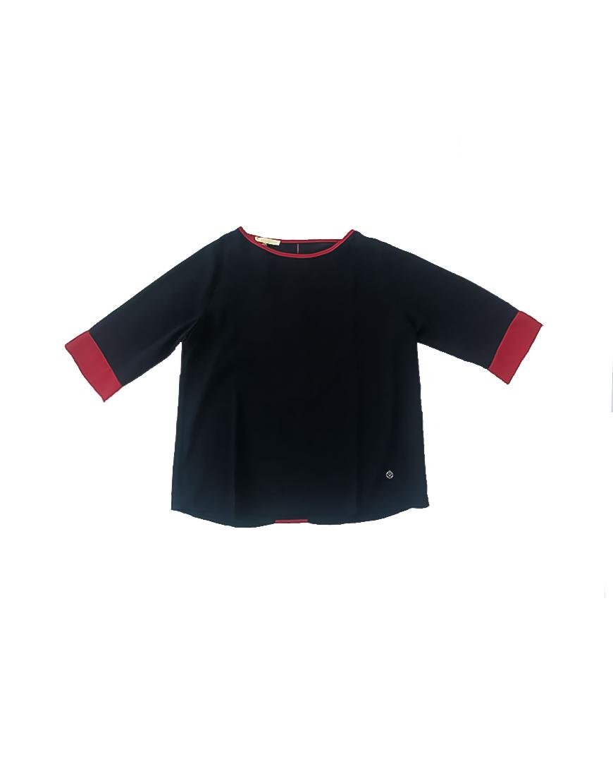 14.14.02.SC005 Blusa azul con borde rojo fresca de verano scusi 1 de 2