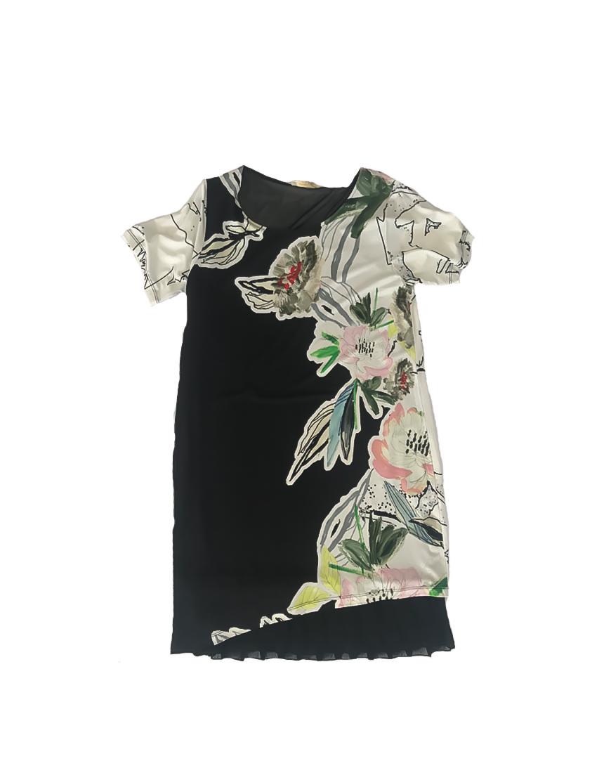 14.4.10.SC018 Vestido flores negro y blanco con encaje fresco fino talla grande 1 de 2