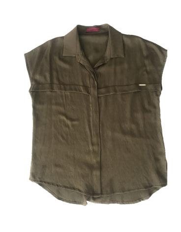 15.01.03.ESS006 Khaki essencial blusa t-shirt botões blusa verão