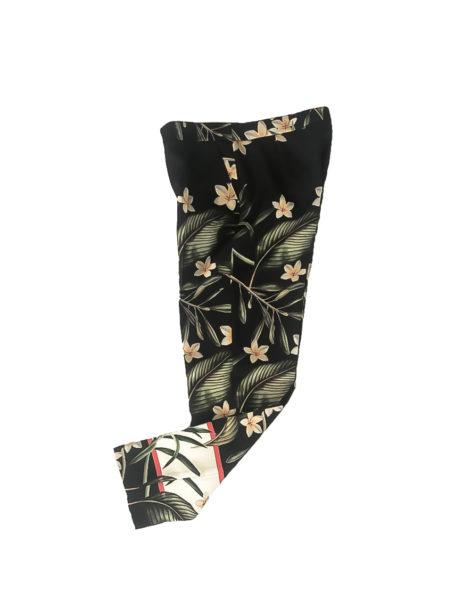 15.02.10.ESS003 Pantalon verano estampado tejido suave pntalon corto negro flores 1 de 2