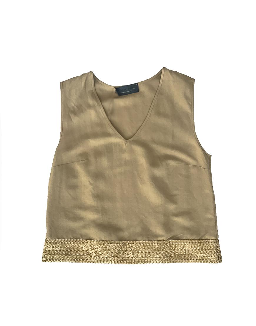 3.12.12.TH003 Blusa lino arena bordado dorado veran fresco conjunto
