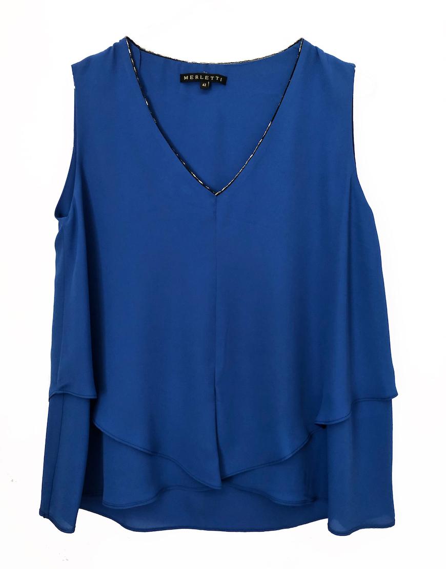 Blusa azul cuello abalorios