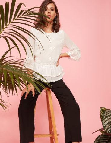 Blusa blanca manga volante 1
