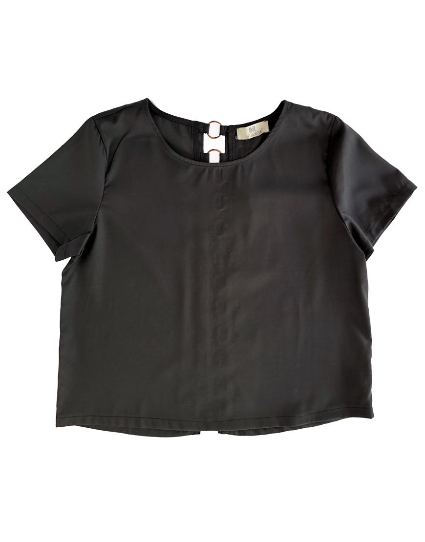 Blusa negra anillas 1