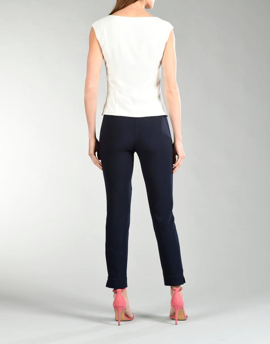 Pantalon detalle bajo 1