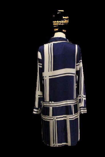 409.2980 (2) Vestido camiseiro curto em twill com encaixe plissado