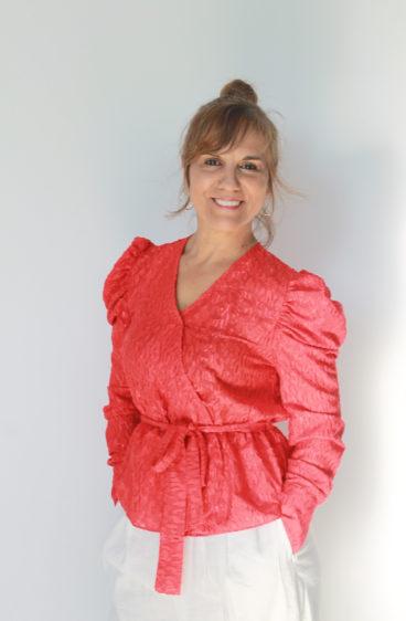 PP0005- Blusa Vermelha com laço lateral com ligeiro brilho